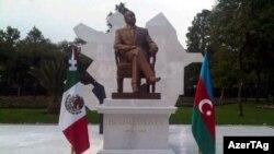 Heydər Əliyevin Meksika paytaxtından götürülən heykəli