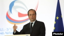 Armenia - French President Francois Hollande speaks at a French-Armenian business forum in Yerevan, 12May2014.