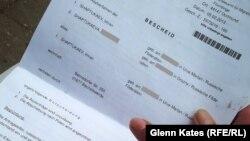Документ о депортации, выписанный властями Германии чеченскому беженцу Имраму Шаптукаеву.