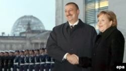 Almaniya kansleri Angela Merkel və Azərbaycan prezidenti İlham Əliyev (Arxiv)