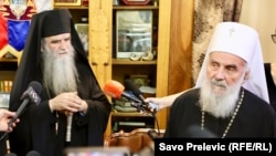 Neće pristati na utapanje u Crnogorsku pravoslavnu crkvu: Irinej (desno) i Amfilohije