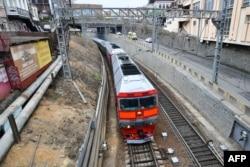 Kim je iz glavnog grada Sjeverne Koreje, Pyongyanga, krenuo na put dugačak 700 kilometara u privatnom oklopnom vlaku