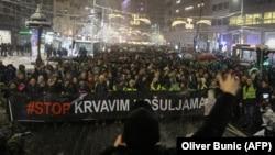 Protestçiler. Belgrad, 15-nji dekabr, 2018. Arhiw suraty