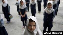 Момичетата в началните училища са в отделни стаи от момчетата