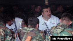 Саакашвили отметил, что в предыдущие годы средства в основном тратились на покупку оружия. Сейчас же страна достаточно вооружена