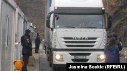 Granični prelaz Jarinje između Srbije i Kosova