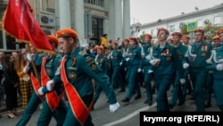 Участники военного парада в Севастополе, 9 мая 2019 года