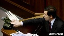 Валерій Коновалюк виступає на засіданні ВР України 19 грудня 2008 року.