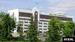 Батыс Қазақстан облыстық ішкі істер департаментінің ғимараты. Орал, 5 маусым 2009 жыл
