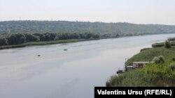Râul Nistru la Rezina