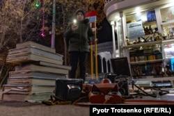 Улица Сайилгох в Ташкенте. Местные жители называют ее «бродвеем». 30 ноября 2019 года.
