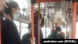 В общественном транспорте Ашхабада. Ноябрь, 2020