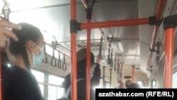 Türkmənistanda avtobus