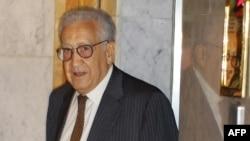 Лахдар Брагімі, архівне фото