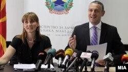 Министерот за здравство Никола Тодоров на прес-конференција во Скопје.