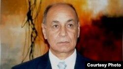 الباحث السوري محمود عباس
