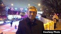 Аксро Хол Холов ба Радиои Озодӣ фиристод