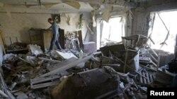 Один зі зруйнованих обстрілами будинків на Донбасі, фото архівне