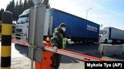У прикордонній службі навели 11 причин, через які іноземців можуть не допустити в Україну