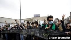 نمایی از تجمع اعتراضی هواداران میرحسین موسوی و معترضان به نتیجه انتخابات در روز پنجشنبه ۲۸ خرداد