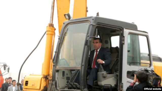 Tajik President Emomali Rahmon starts digging the foundation of a Mosque in Dushanbe which will be large enough to hold more that 100,000 people when it is completed.