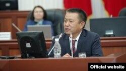 Депутат, экс-спикер парламента Чыныбай Турсунбеков.