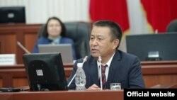 Депутат Жогорку Кенеша Чыныбай Турсунбеков.