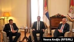 Vučić i Nikolić niti su podržali referendum, niti su Dodika odgovorili od toga