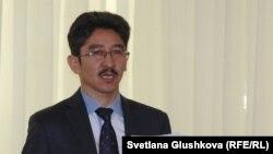 Гражданский активист Максат Ильясулы. Астана, 19 октября 2015 года.