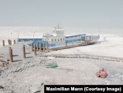 The ferry photographed in 2018-19 by Maximilian Mann