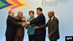 Лідери БРІКС під час 6-го саміту в Форталеза, Бразилія, 15 липня 2014 року