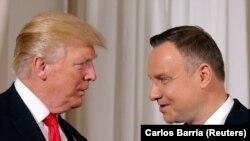 Претседателите на САД и на Полска, Доналд Трамп и Анджеј Дуда