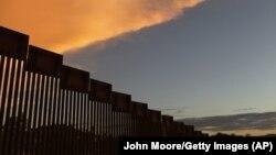 Ограждение на американо-мексиканской границе. Архивное фото.