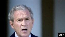 آقای بوش اعلام کرد: « ما همه توافق کرديم که بايد با ديگر کشورها همکاری کنيم.»(عکس: AFP)