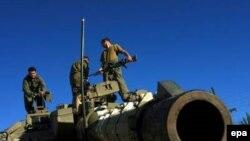 طبق طرح اولیه «زمین در مقابل صلح»، اسراییل باید از مناطق اشغال شده عربی عقب نشینی کند.