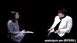 Փաստաբան Նինա Կարապետյանցը (աջից) զրուցում է «Ազատության» հետ, Երևան, 6-ը հունվարի, 2017թ․