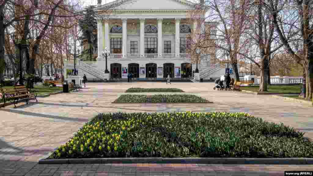 В Севастополе закрылись театры, музеи, школы и спортивные учреждения, 26 марта 2020 года