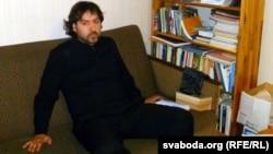 Руслан Невар