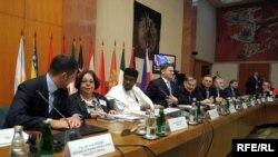 """Sa konferencije """"Istorija i nasleđe za miroljubiv svet"""", 07. septembar 2009. Fotografije: Vesna Anđić"""