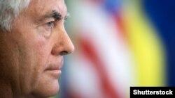 Secretarul de stat american Rex Tillerson fotografiat la Kiev.