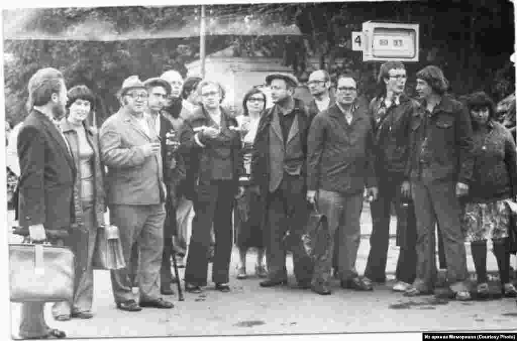Друзья известного диссидента Александра Гинзбурга приехали на процесс в Калугу. 10-13.07.1978