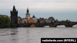 Карлов мост в Праге 3 июня