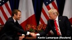 АҚШ президенті Дональд Трамп (оң жақта) пен Франция президенті Эммануэль Макрон. Нью-Йорк, 18 қыркүйек 2017 жыл.