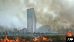 Трава горит даже в Москве, на Ходынском поле