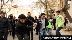 Müxalifətin 17 aprel aksiyası, həbs edilən fəallardan biri, 17 aprel 2011