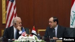 بايدن والمالكي في بغداد 2011
