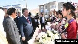 Пешвози президент Раҳмон дар Дарвоз