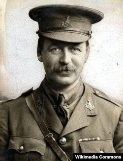 İngilis diplomatı, polkovnik Ser Tatton Benvenuto Mark Sykes. Sazişin müəlliflərindən biri