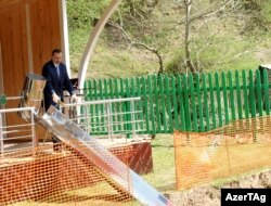 İlham Əliyev mini su elektrik stansiyasının təməlqoyma mərasimində - 15 aprel 2011