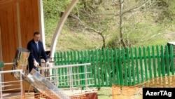 Ильхам Алиев на церемонии закладки фундамента мини-гидроэлектростанции. Астара, 15 апреля 2011